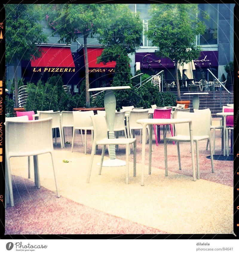 cafeteria Einsamkeit Terrasse Stuhl Lomografie lubitel 166B Stab Anordnung terrace tables chairs