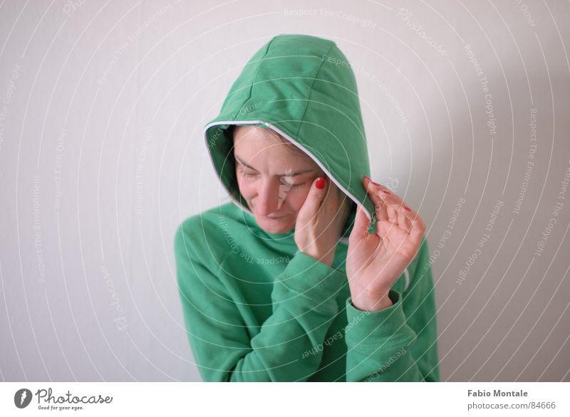 schliessen/öffnen (1/7) Fingernagel Fotoserie schließen aufmachen Reißverschluss Bekleidung grüne jacke Abfluss