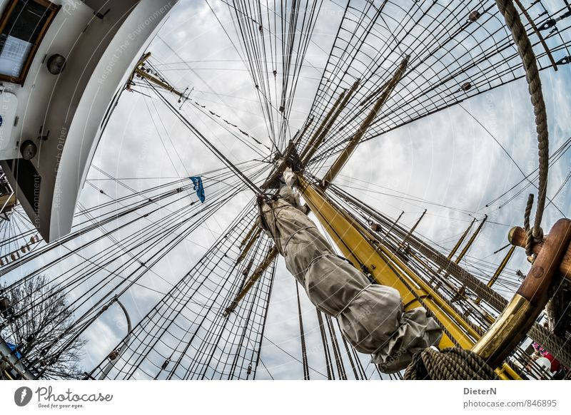 Takelage Himmel blau weiß Wolken gelb Technik & Technologie Seil Schifffahrt Mast Segel Segelboot Segelschiff An Bord