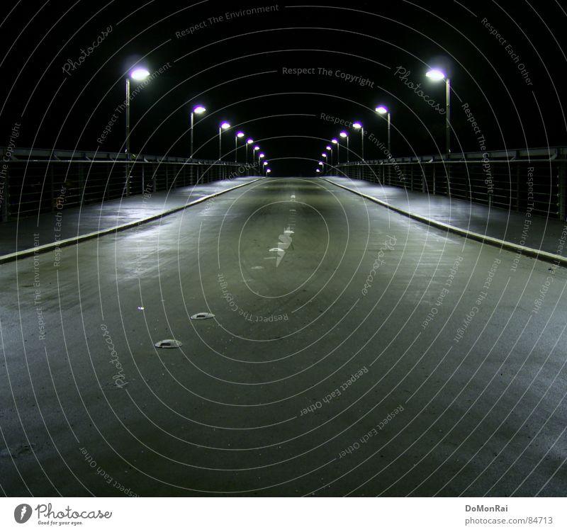 Brücke ins Nichts (© by Pathos) Stadt Einsamkeit schwarz Straße Architektur Wege & Pfade Tod grau leer Europa Hoffnung Geländer Sehnsucht Straßenbeleuchtung