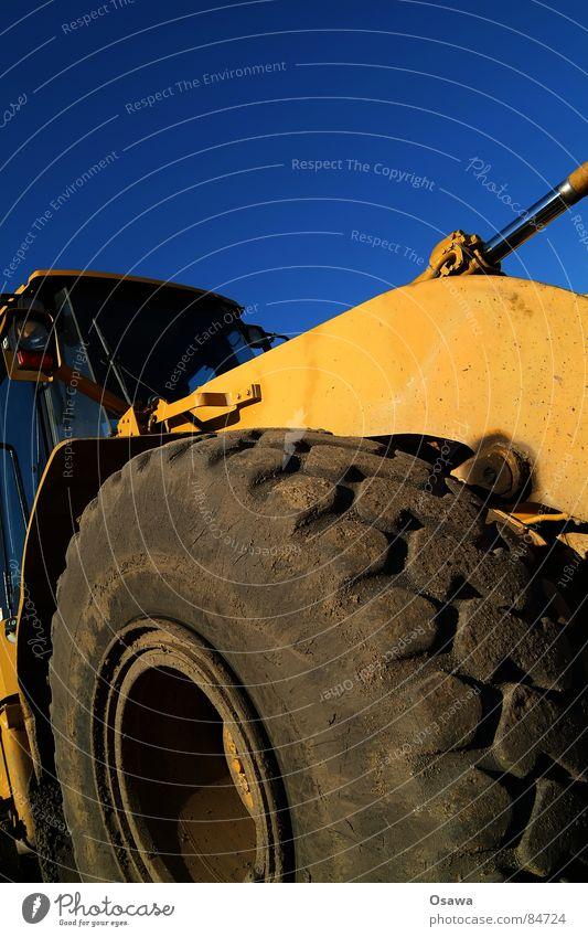 Große Jungs Spielzeug Planierraupe Bagger Baumaschine Fahrzeug Silhouette Reifen gelb schwer Führerhaus Baustelle Maschine Kraft Baggerfahrn Bodo Caterpillar