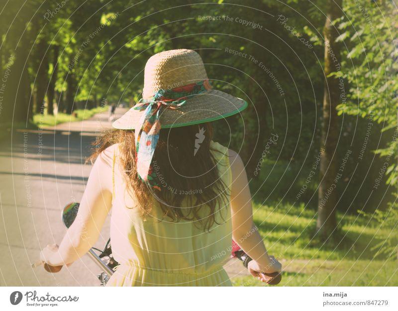 auf und davon Fahrradfahren Mensch feminin 1 13-18 Jahre Kind Jugendliche 18-30 Jahre Erwachsene Umwelt Natur Landschaft Sommer Schönes Wetter Garten Park Wald