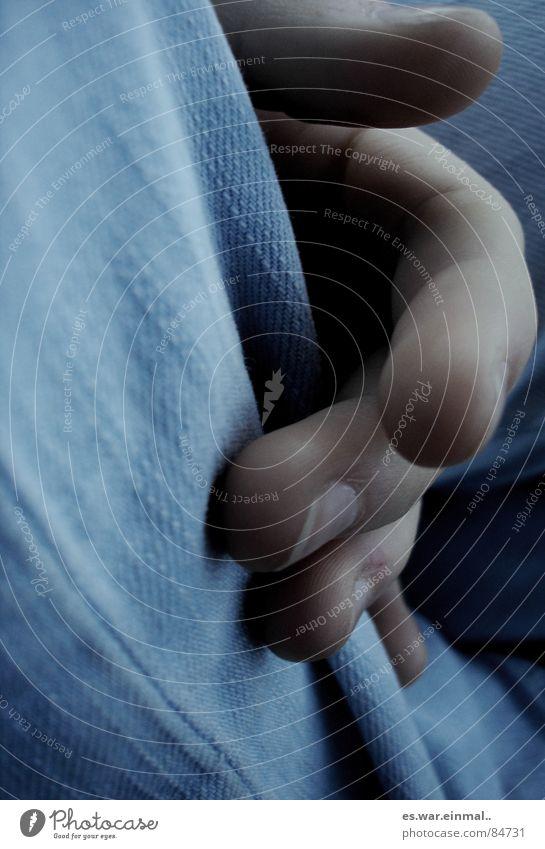 telling stories II. Hand Finger Stoff Jeansstoff Langeweile Fingernagel verwundbar