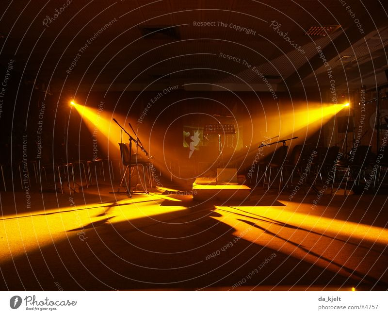 Ruhe Lichtspiel Bühne Bühnenbeleuchtung Konzert Veranstaltung live ruhig Musik Musikinstrument