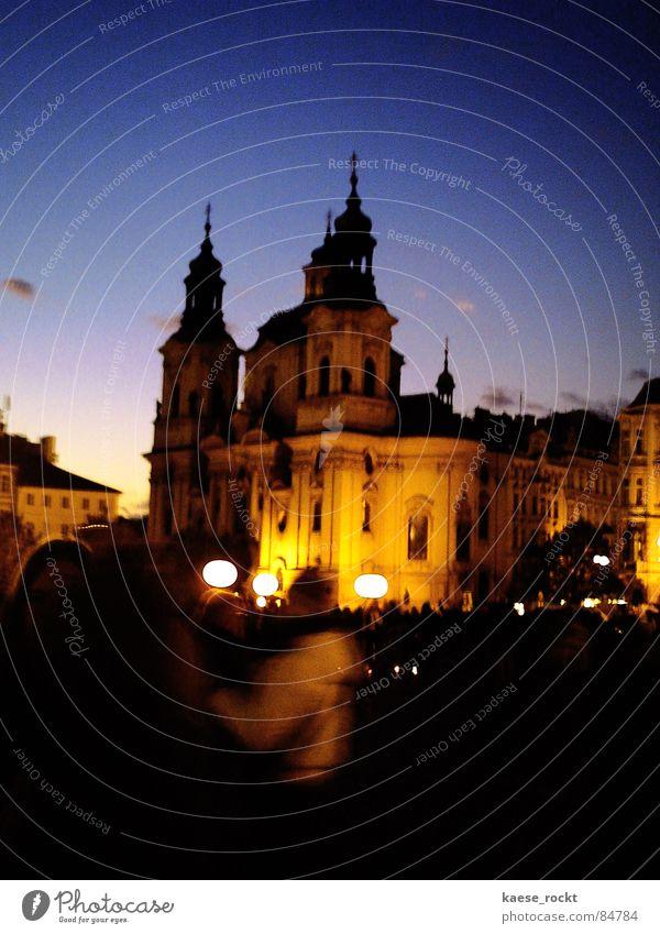 Dämmern Verweltlichung Nacht Sonnenuntergang Platz Kirchplatz schemenhaft Gotteshäuser vage unklar Fuzzy Q. Jones Abend historisch Religion & Glaube Dom