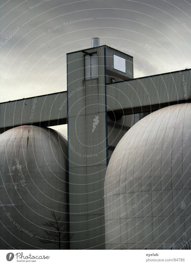 Oberweitenbändigung der Industrie Himmel schön Architektur grau Gebäude rund Industriefotografie Lager Industrieanlage industriell Tank Vorrat Silo Industriebau
