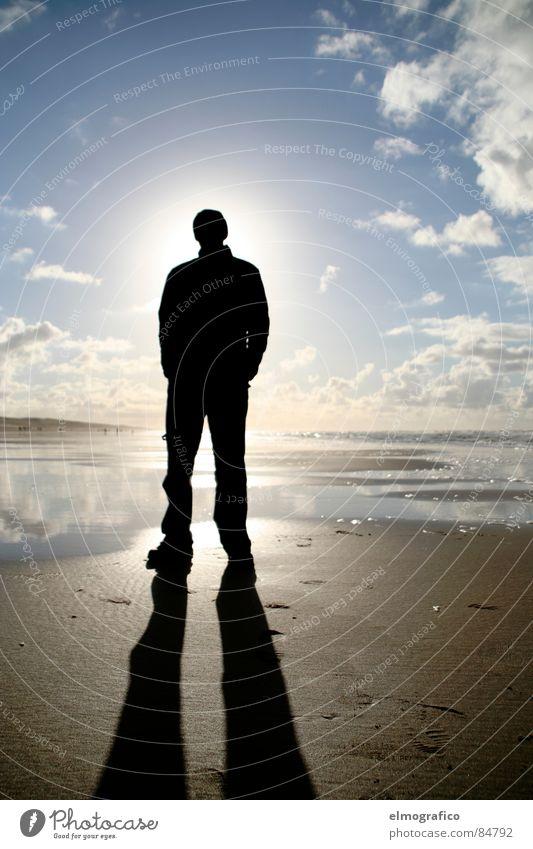 Corona Meer Ehrlichkeit Gegenlicht Ferne vertikal verdunkeln Macht lässig Mensch allein stehend Sonne Himmel Einsamkeit unsichtbar Schatten aufrecht stehend