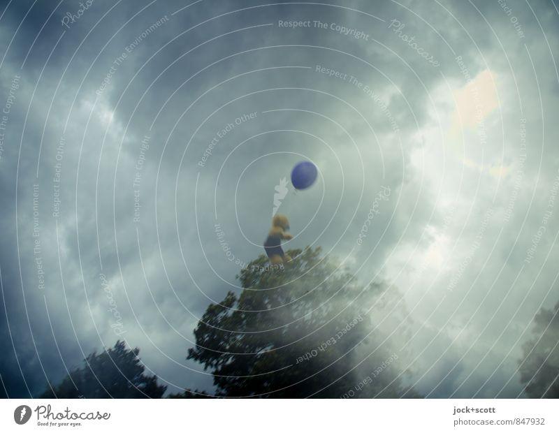 bizarr / teddy trip Freiheit Gewitterwolken Luftballon Teddybär fliegen träumen außergewöhnlich Abenteuer skurril Surrealismus Doppelbelichtung Illusion
