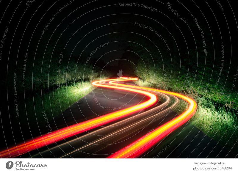 Lichtspiele - Kurvenlicht Graffiti Bewegung Perspektive Geschwindigkeit Streifen Verkehrswege Fahrzeug Autofahren