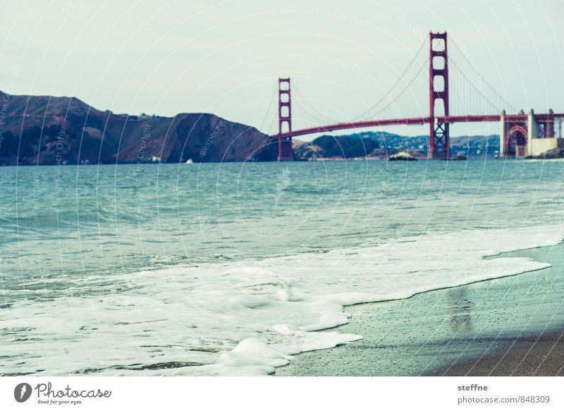 What's Golden Landschaft Schönes Wetter Wellen Küste Strand Meer Pazifik San Francisco USA Sehenswürdigkeit Wahrzeichen Golden Gate Bridge ästhetisch