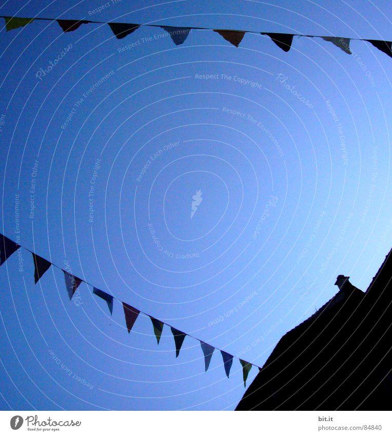 FASCHINGSBLÄTTER Himmel Winter schwarz Haus dunkel Dekoration & Verzierung Fahne Karneval Festspiele Altstadt Girlande Schutzdach Himmelszelt Dachschräge