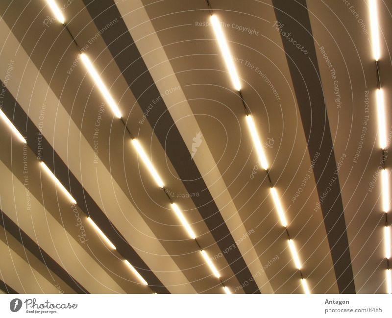 Röhren Beleuchtung Architektur Streifen Neonlicht Deckenbeleuchtung