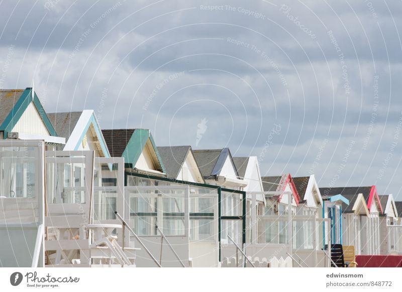 Strandhäuser Ferien & Urlaub & Reisen weiß Sommer Erholung Haus Strand grau hell träumen Häusliches Leben viele Sommerurlaub Nordsee Niederlande maritim gebrauchen