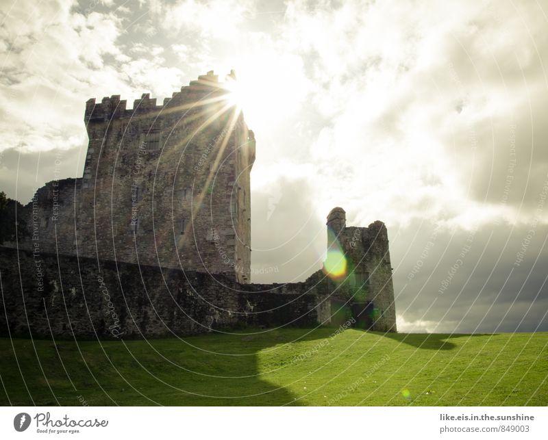 Ritter Kunibert's Residenz Ferien & Urlaub & Reisen Tourismus Ausflug Abenteuer Ferne Sightseeing Natur Wolken Wiese Burg oder Schloss Bauwerk Gebäude