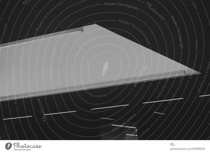 raum für kunst Museum Architektur Gebäude Decke Deckenbeleuchtung ästhetisch dunkel Linie Schwarzweißfoto Innenaufnahme Menschenleer