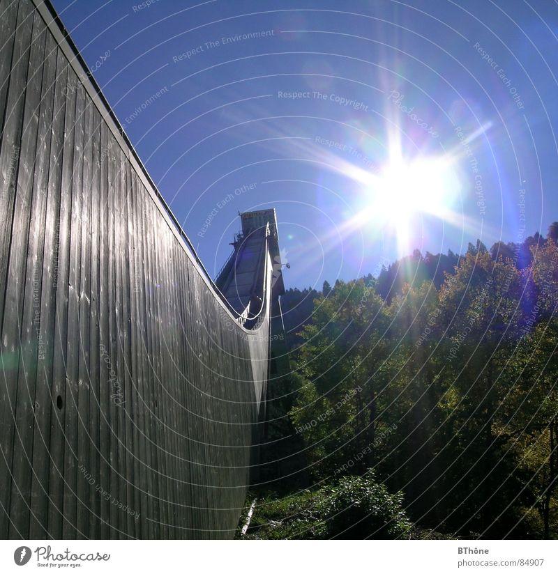 Sonnenschanze Garmisch-Partenkirchen Schanze Licht & Schatten springen Wald Hoffnung Sonnenlicht Himmelskörper & Weltall Freude four hills tournament
