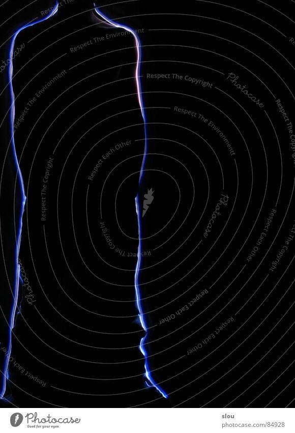 Randfigur schwarz dunkel Fuß Körper leuchten Seite Schulter Am Rand links einzeln Rahmen Leuchtdiode kopflos umrandet