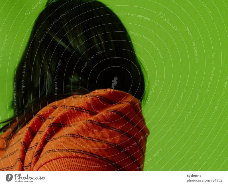 Farbe bekennen IV Frau Mensch grün rot Erholung Farbe dunkel Kopf Gefühle Haare & Frisuren Stil Bewegung Erde Rücken Raum Coolness