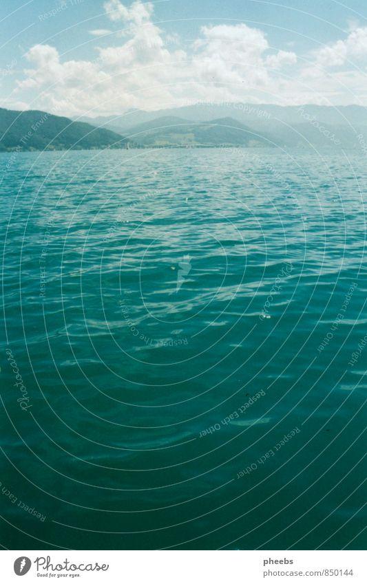türkis See Wasser Berge u. Gebirge Österreich Attersee Gewässer Wellen Wolken Himmel Landschaft Freiheit blau