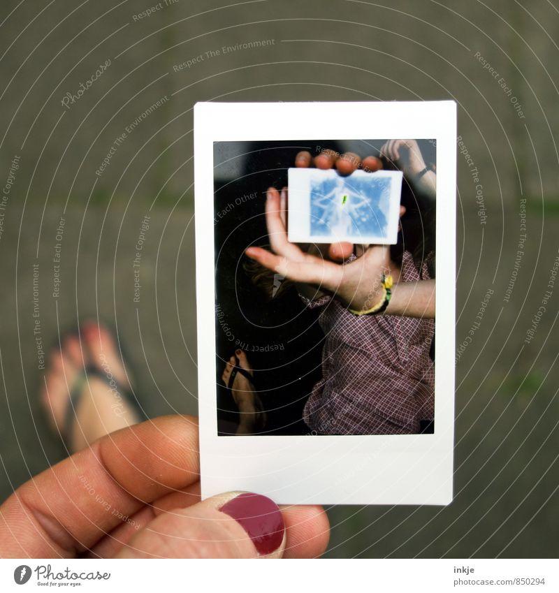 der Fuß Mensch Frau Jugendliche Hand Freude Erwachsene Leben Stil Kunst Freundschaft Freizeit & Hobby Zusammensein Lifestyle Fotografie Idee