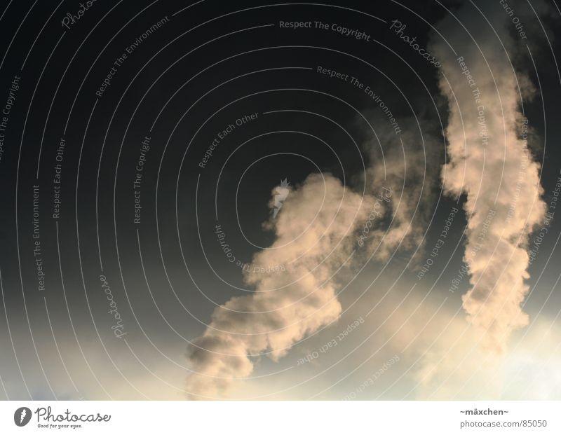 dirty smoke II / Umweltverschmutzung II Himmel dunkel Luft hell dreckig gefährlich Industriefotografie Umweltverschmutzung Müll Abgas Schornstein Klimawandel ungesund