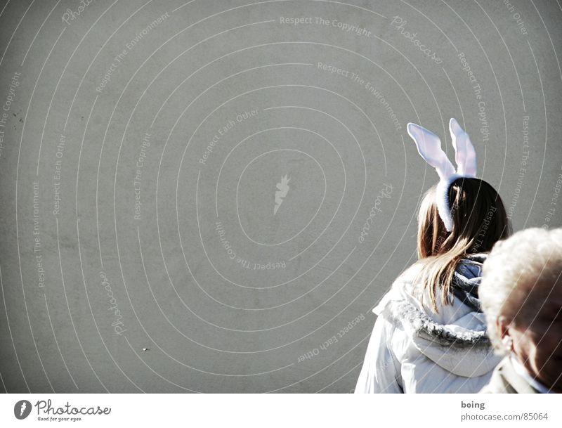 Hey Ladies Hasenohren Dame Frühling Generation Vergänglichkeit alt Senior Löffel Hase & Kaninchen Karneval Generationenvertrag Freude bunny aus dem Bild laufen
