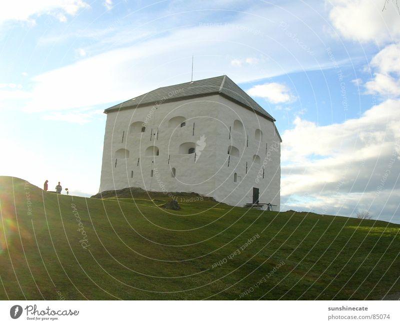 norwegian castle Festung Gras Sonne Ferien & Urlaub & Reisen Norwegen kalt Physik mehrfarbig schön Sportrasen Norden Grasnarbe grün Grünfläche frisch Wiese
