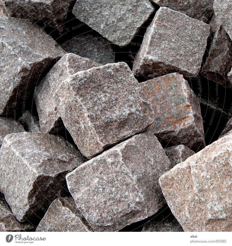 Hart wie Granit 3 Steinhaufen Quader Haufen Industrie Mineralien feldspat gneiß auf einen Haufen werfen zusammenwerfen Würfel kubus Stapel akai
