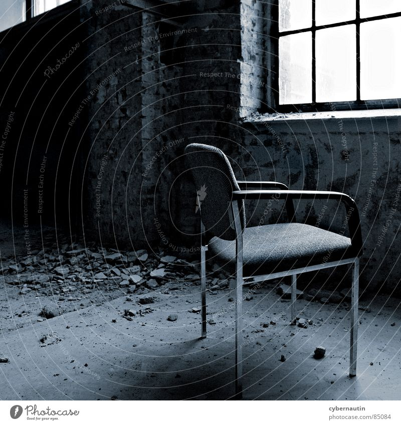 Zimmer mit Aussicht ... Fenster warten Hoffnung Baustelle Stuhl Wunsch verfallen Renovieren