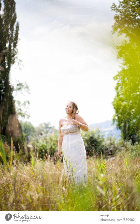 don't worry feminin Junge Frau Jugendliche 1 Mensch 18-30 Jahre Erwachsene Natur Landschaft Pflanze Sommer Schönes Wetter Fröhlichkeit Glück schön positiv