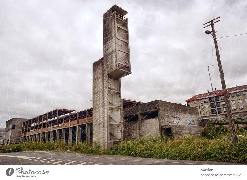 Geld alle Stadt Menschenleer Haus Hochhaus Mauer Wand Treppe Fenster Tür Straße Beton Stahl warten braun grau grün gehen Ruine Treppenhaus Wiese Immobilie