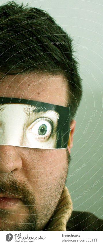 fremde augen 1 Mann Auge Kopf Angst verrückt Maske Spiegel geheimnisvoll Selbstportrait Karnevalskostüm Spiegelbild Schrecken Flirten staunen kulleräugig
