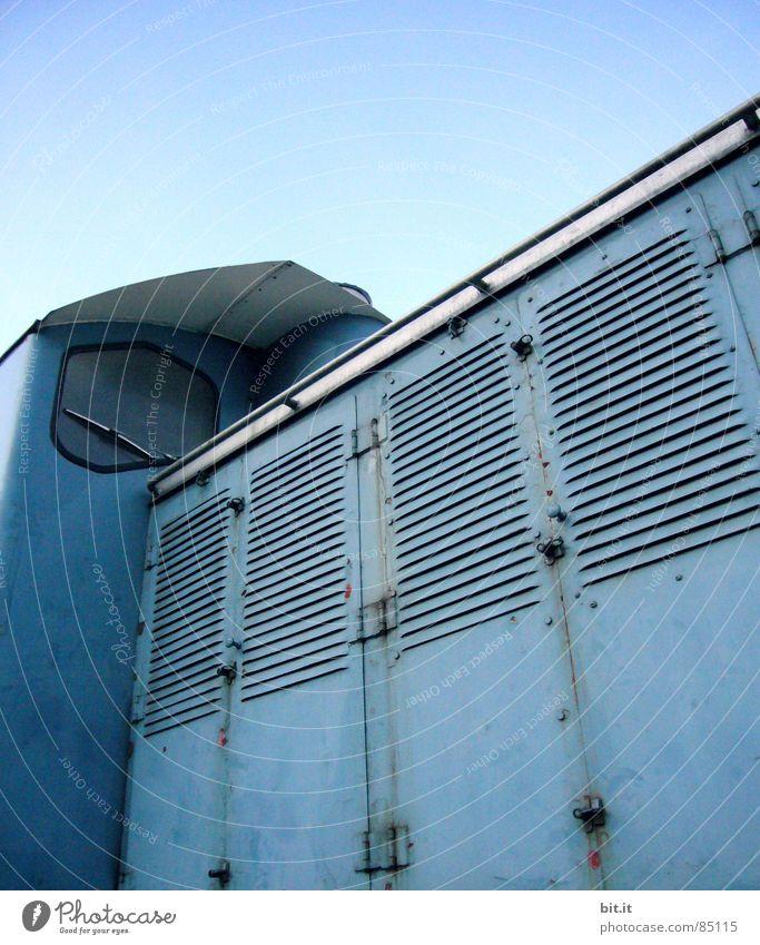 LOKO MOTIV Haus Fenster Eisenbahn Technik & Technologie türkis historisch Bahnhof Maschine Fahrzeug Motor antik zyan Motivation Blech Wasserdampf