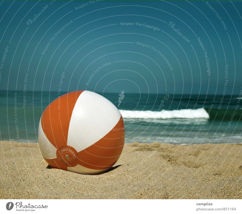 Beach-Ball Ferien & Urlaub & Reisen Sommer Sonne Meer Erholung Freude Strand Gefühle Sport Spielen Schwimmen & Baden Glück Freiheit Horizont Wellen Idylle
