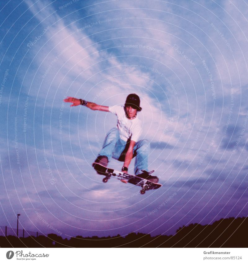 Purple Rain 03 Himmel springen Luft violett Skateboarding Skateboard Himmelskörper & Weltall hüpfen purpur Himmelszelt Extremsport blau-rot Air