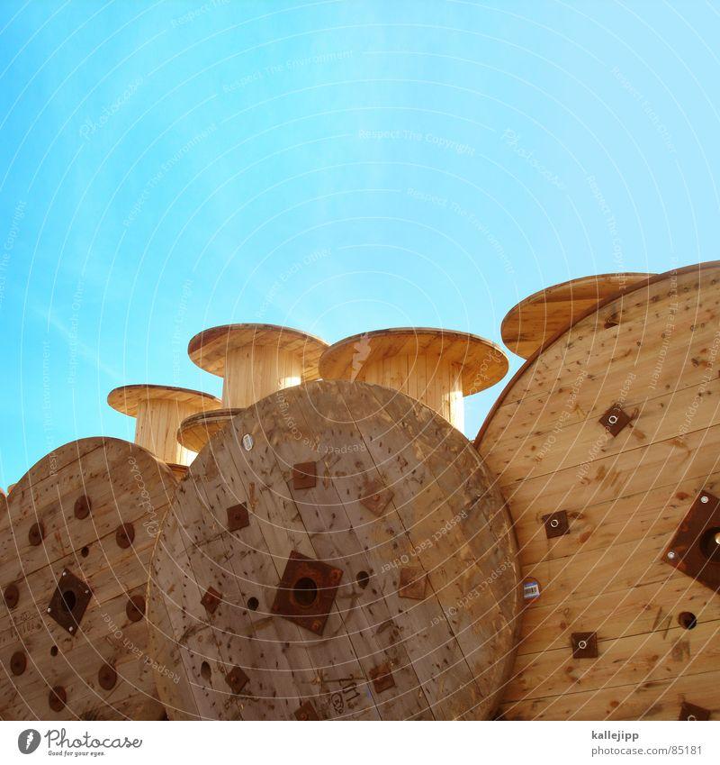 von der rolle Trommel Holz Arbeit & Erwerbstätigkeit Bruttosozialprodukt Arbeitsplatz Telefonkabel Kabel Industrie kabelrolle kabeltrommel Stapel Mittelstand