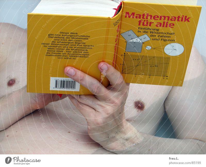 Weiterbildung Mann Buch Badewanne lesen Mathematik produzieren Erwachsenenbildung nackt Brustwarze Hand Freizeit & Hobby Dinge Schwimmen & Baden Wasser lernen
