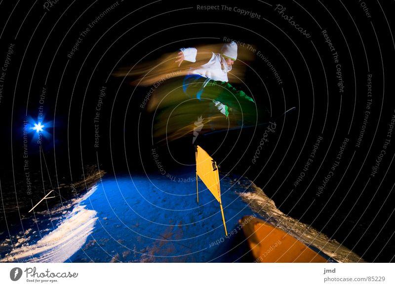 Nightshooting Frontside 1 Indy Nacht Langzeitbelichtung Belichtung Blitze Hoch-Ybrig Trick blau Licht dunkel schwarz Barriere Aktion Winter Extremsport