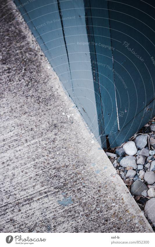 crnr Stadt Mauer Wand Straße Wege & Pfade alt eckig einfach grau Ecke Holzwand Stein Kieselsteine Fußweg Saum Farbfoto Außenaufnahme Nahaufnahme
