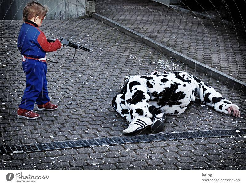 Spider-Boy, the boy who killed the cow Kind Freude Krieg Fell Karneval Umzug (Wohnungswechsel) Jagd Kuh Comic Karnevalskostüm Kostüm Gewehr Handwerk Schlacht Milcherzeugnisse Schlachtung