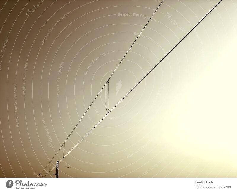 BEFORE YOU REACH THE SKY Verbindung Leitung Knoten chaotisch Überleitung streben graphisch Lampe Draht Elektrizität Kraft Himmel Muster industriell