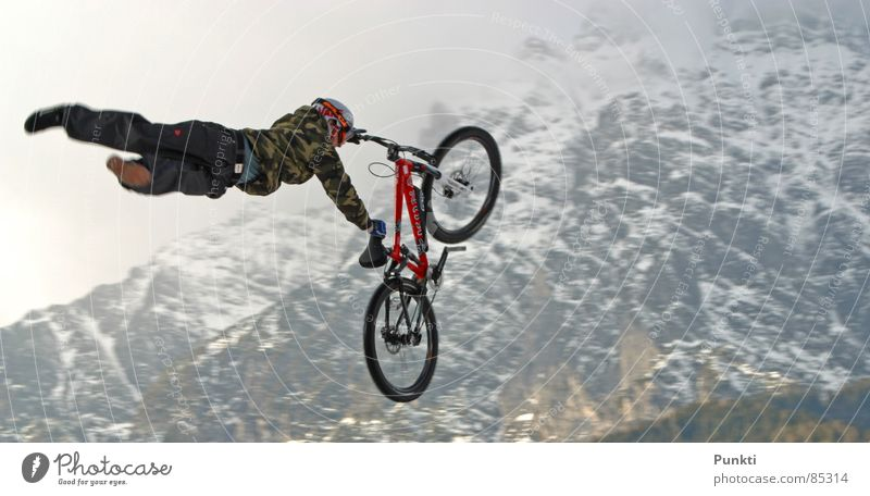 Supermann Sport Schnee Spielen Berge u. Gebirge fliegen Held Superman Mountainbike