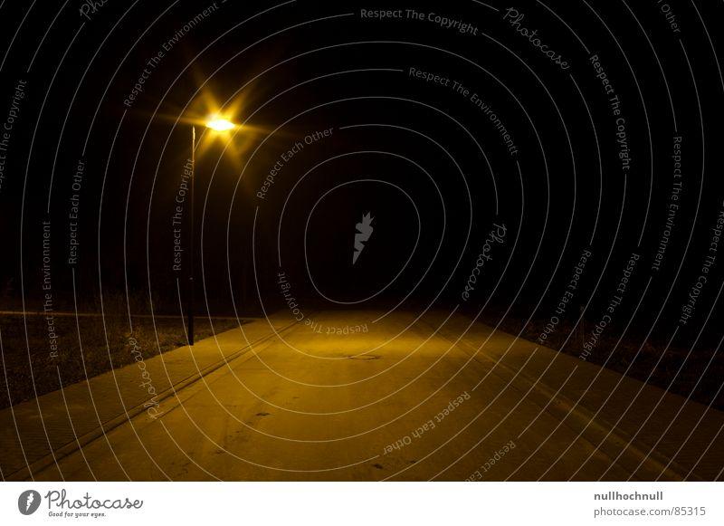 end of the road schwarz Einsamkeit Wege & Pfade leer Asphalt stoppen Unendlichkeit Bürgersteig Verkehrswege Flucht Straßenbeleuchtung Sepia ungewiss pflastern Sackgasse