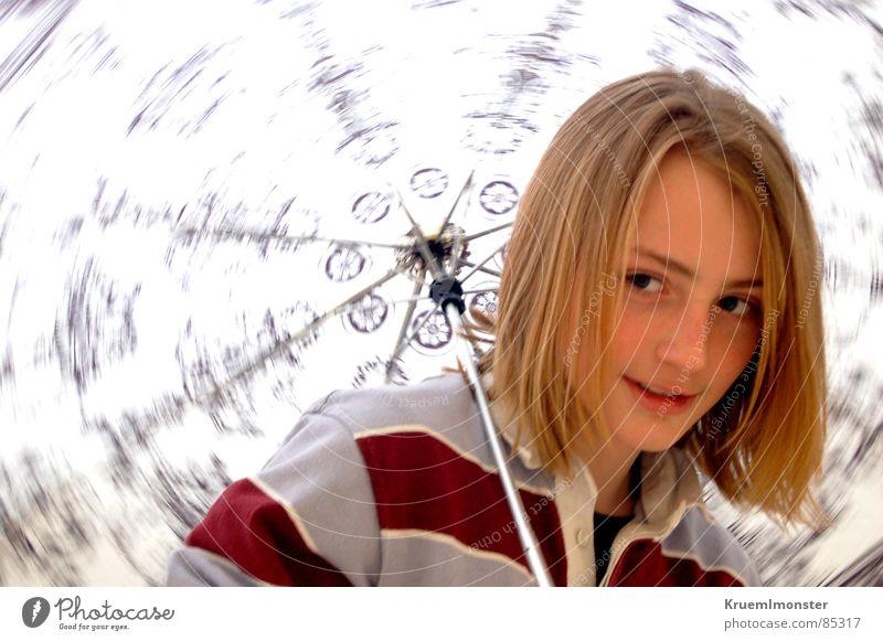 Die Geschichte... Drehung langhaarig blond gestreift erstaunt Neugier Seitenblick Muster rot Schulter grinsen Photo-Shooting lässig Jugendliche umbrella