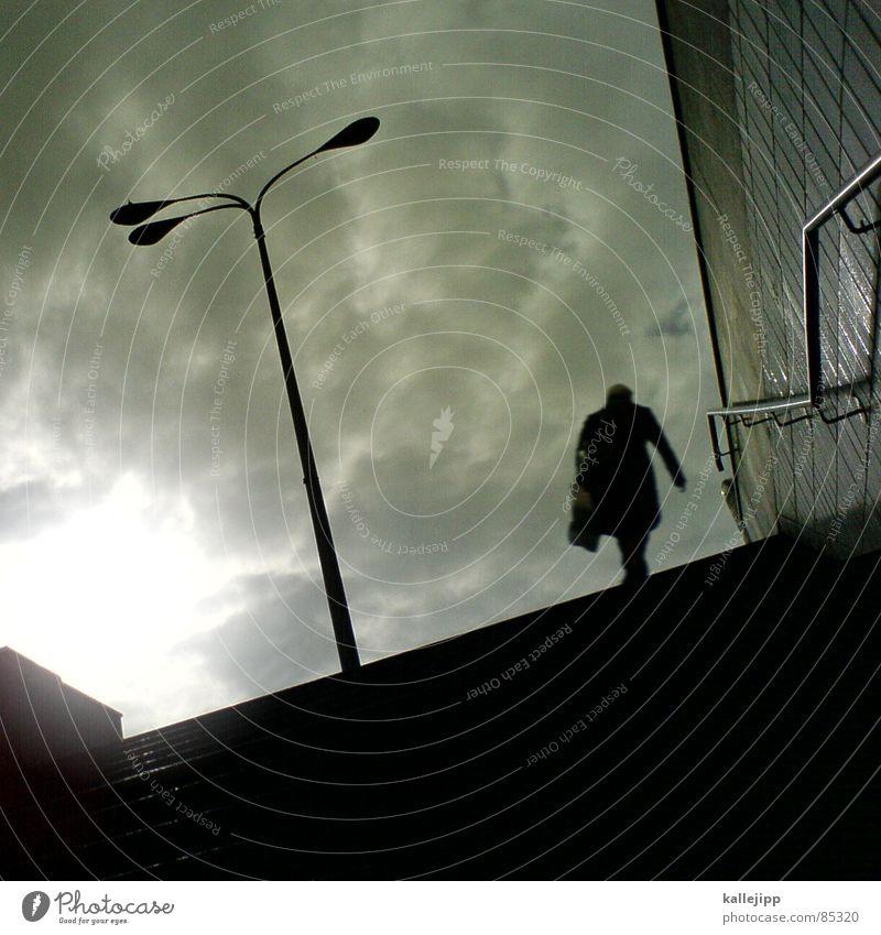 schicht im schacht Mensch Stadt Sonne Wolken grau Arbeit & Erwerbstätigkeit Beleuchtung gehen Treppe Güterverkehr & Logistik U-Bahn Laterne Tunnel Eingang aufwärts kommen