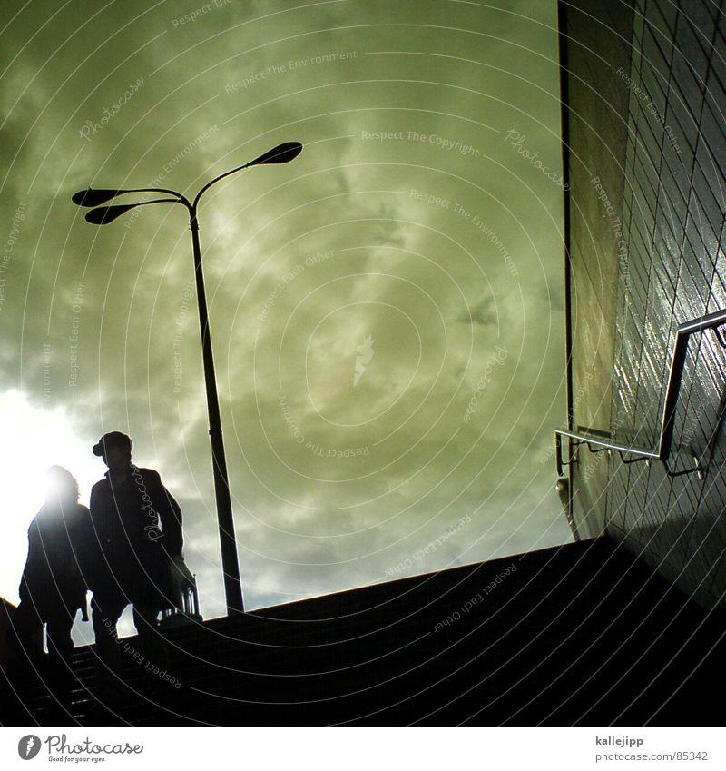 schichtanfang Mensch Stadt Sonne Wolken Architektur grau Arbeit & Erwerbstätigkeit Beleuchtung gehen Treppe Güterverkehr & Logistik U-Bahn Laterne Tunnel Eingang aufwärts