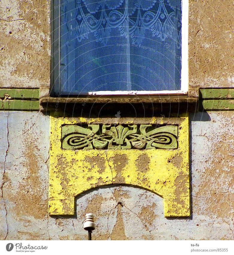 echt stilecht Fenster Fassade Ornament Gardine Haus Muster Jugendstil Frühjahrsputz Sanieren Detailaufnahme Art deco Architektur