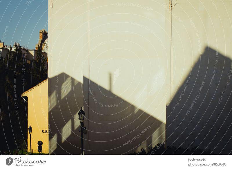Polylux Stadt Haus Wärme Architektur Frühling Zeit hell Design frei Perspektive Klima Schönes Wetter Vergänglichkeit Straßenbeleuchtung nachhaltig diagonal