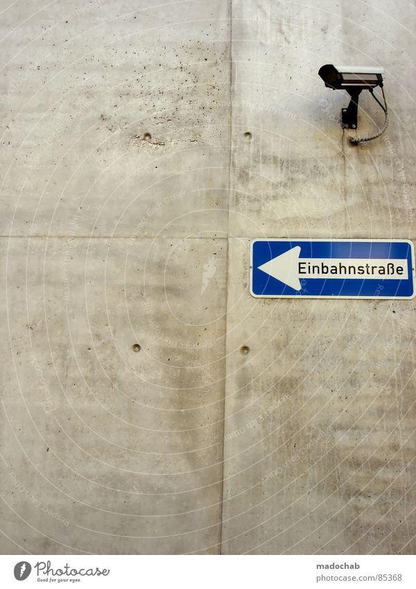 HEUTE: 70 ABLEHUNGEN - ALLES! Einbahnstraße Verkehr Anordnung Zeichen Hinweis Belegstelle Empfehlung Bodenbearbeitung Erde Straßenbelag Untergrund Hinweisschild