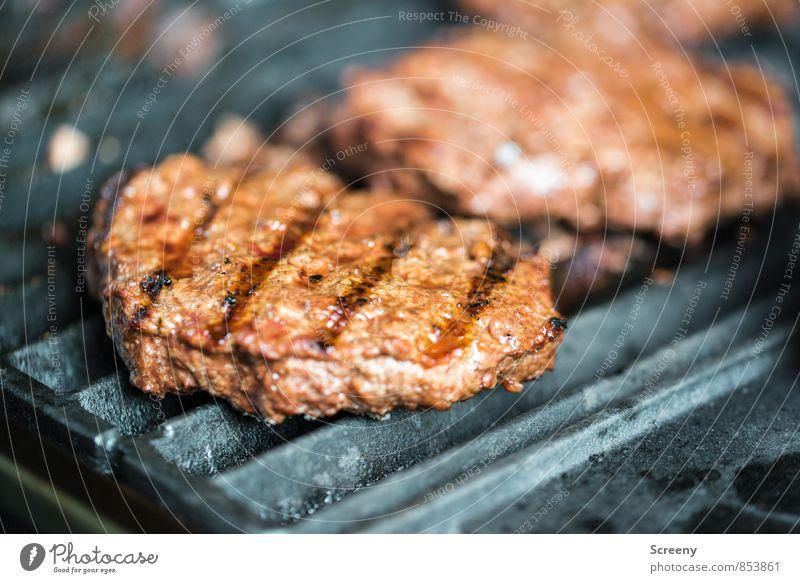 Grillsaison ist noch... Lebensmittel Fleisch Ernährung Grillen Sommer heiß lecker braun Appetit & Hunger genießen Farbfoto Detailaufnahme Menschenleer Tag